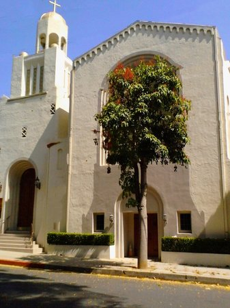 First Baptist Beverly Hills Exterior picturePicture